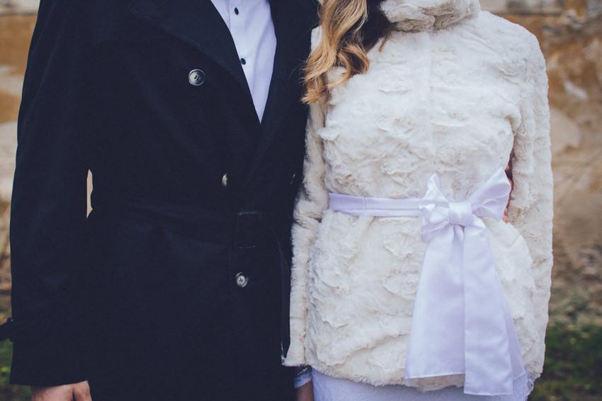 zimsko vjenčanje odijelo i vjenčanica