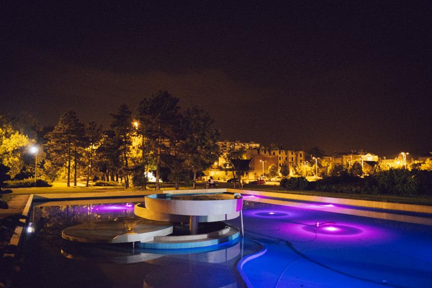 fontana Lisinski po noći