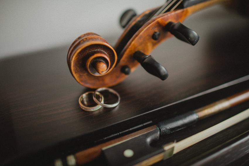 prstenje i violina