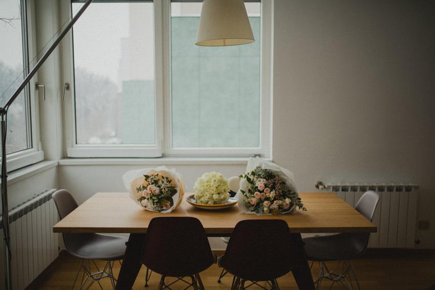 cvijeće na stolu