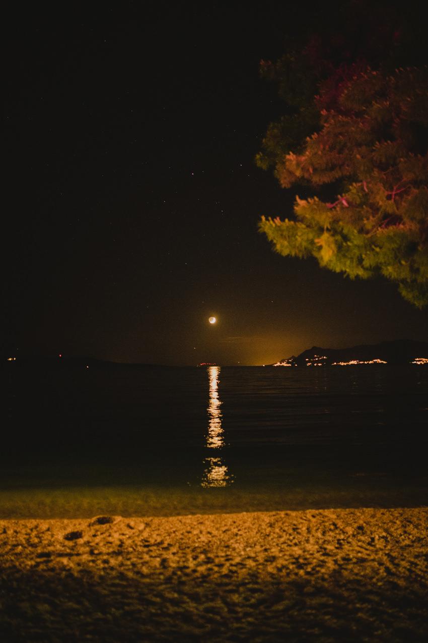 noć i mjesečina na moru